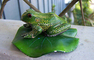 Hand Carved spotted FROG and lilly-pad, Decorative painting