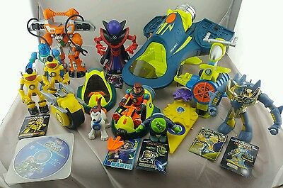 Large Lot of Fisher Price Planet Heroes Figures and Vehicles some rare