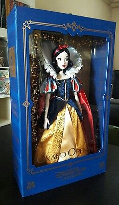 SNOW WHITE Shanghai Disney Limited Edition Doll Grand Opening Blanche Neige 1200