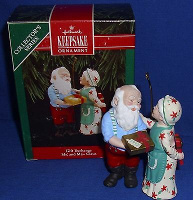 Hallmark Series Ornament Mr and Mrs Claus #7 1992 Gift Exchange Santa Used