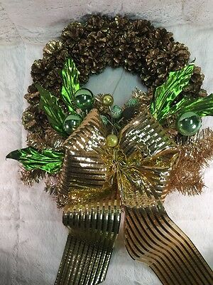 """Vintage 16.5"""" Holiday Christmas Wreath Gold Pine Cones & Bows Green Accents"""