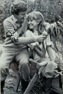 Richard Briers Signed 12x8 Photo -  The Good Life