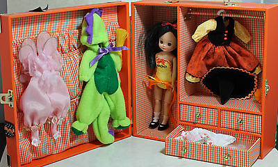 """Tiny Betsy McCall 8"""" Halloween Trunk, Doll Clothing Acessories"""