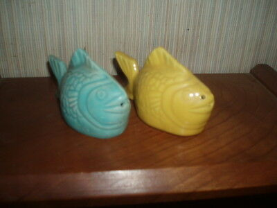 """Bauer Pottery Chickin of the sea Salt&Pepper """"Mint Condition"""""""