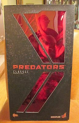 Hot Toy Predators Classic Predator 1/6 Scale Collectible Figure Factory Sealed