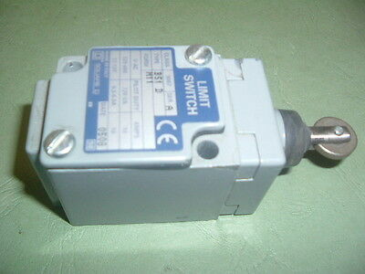 Square D 9007............. B51 D Ser A Limit Switch Roller Plunger New Not Boxed