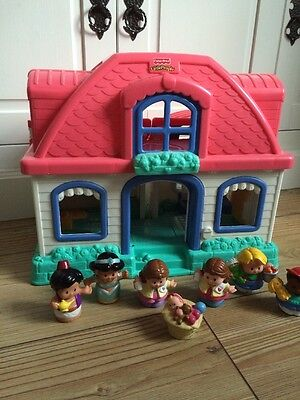 Fisher Price Little People Sweet Sounds Cottage / House 7 Sounds 6 Figures 2002