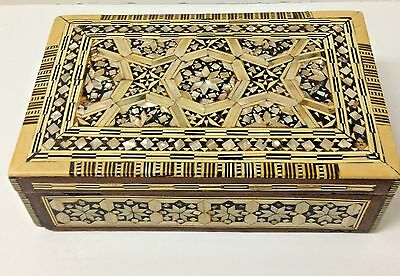 INLAY  Mother of Pearl/ Abalone / Bone  WOODEN TRINKET BOX / INTRICATE DESIGN