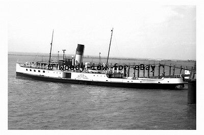 rp3125 - Paddle Steamer - Lincoln Castle at Hull - photograph