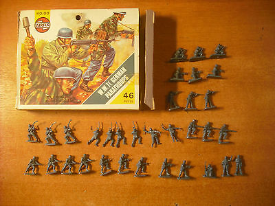 soldatini Toy Soldiers Airfix del 1975 German Paratroops WW II H0/00 Ref. 1753