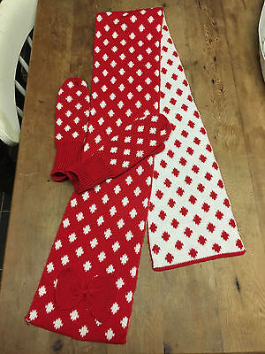 Girls red and white winter knitted gloves/mittens and scarf set pretty with bow