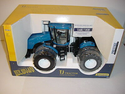 HUGE 1/16 New Holland TJ480/TJ530 Tractor NIB! Prestige Collection Great Price!