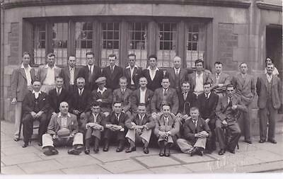 RP GROUP OF MEN OUTSIDE PUB BY REYNOLDS BEDFORD BEDS c1930 REAL PHOTO