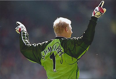 PETER SCHMEICHEL - Hand Signed 12x8 Photo - Man Utd Manchester United - Football