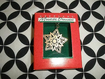 "Miniature Hallmark Keepsake Ornament~ ""brass Star""~1988~T2786"