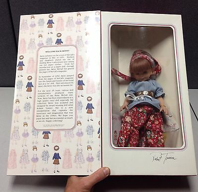 NIB Betsy McCall Collection Welcome Back Doll Robert Tonner Autograph Signed!
