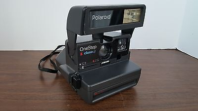 POLAROID One Step Close Up Uses 600 Instant Film Camera w/Strap