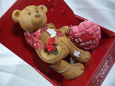 Valentine NIB Quilted Heat Be Mine Roses Dandee Resin Patch Teddy Bear Figure