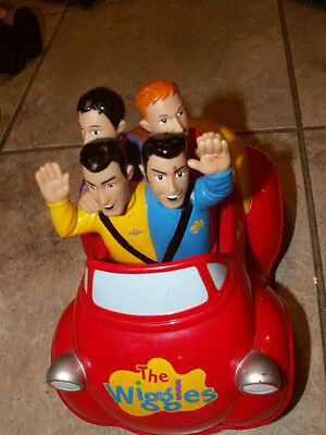 Wiggles singing driving big red car
