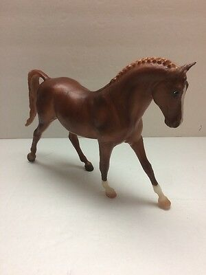 BREYER CLASSICS HORSE COLLECTIBLE - KEEN - brown & white