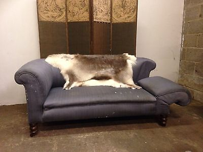 Fine Victorian mahogany chesterfield sofa good proportion drop end chaise lounge