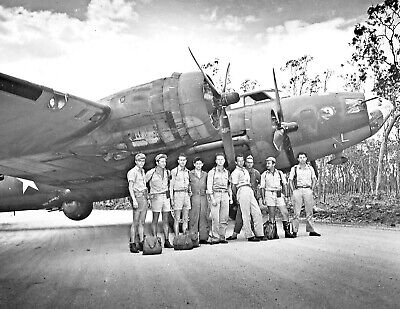 1942-19th Bomb Group B-17E Flying Fortress & Aircrew in Northern Terr. Australia