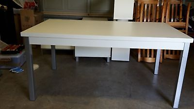 White 1600mm x 900mm Dining Table with 6 solid pine chairs