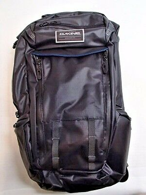 DAKINE Seeker 15L Hydration Pack with Spine Protector - One Size /30032/