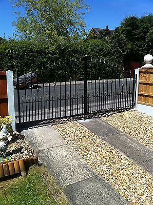 BRAND NEW  WROUGHT IRON DRIVEWAY GATES 5-6ftHIGH 12FT OPENING RAILINGS/STEEL/