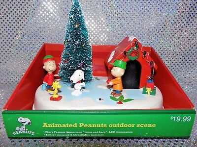 Animated Peanuts Outdoor Christmas Scene (10C125)