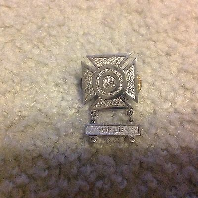 USA ARMY RIFLE MARKSMANSHIP badge from Vietnam War AUTHENTIC