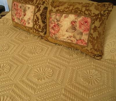 Gorgeous French Vintage Fringed Popcorn Crochet Lace Coverlet Bedspread Handmade