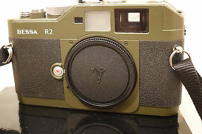 boxed excellent condition Voigtlander Bessa R2 - olive green stunning camera.