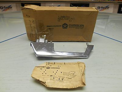 1965-1966 Chrysler Right Front Outside Door Handle Nos Pn# 2486734 W/box &ticket