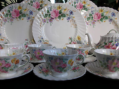 ROYAL DOULTON ARCADIA- SCALLOPED (c.1959+) CUP & SAUCER (S)-EXCELLENT!!