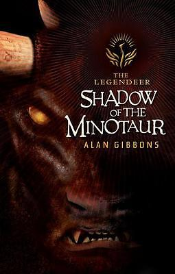 Shadow of the Minotaur by Alan Gibbons (Paperback)