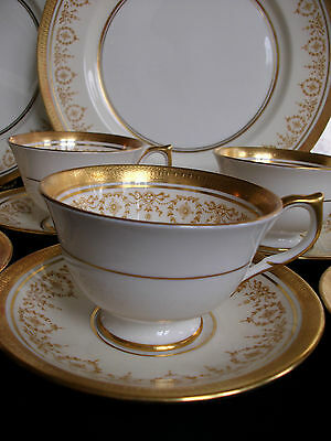 AYNSLEY GOLDEN DOWERY #7892-SMOOTH (1985+) CUP & SAUCER (s)- RARE! MINT! GILT!