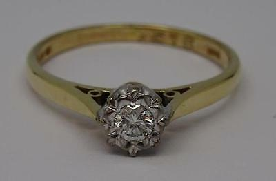 **stunning 9Ct Gold 0.12Ct Round Cut Diamond Illusion Set Solitaire Ring**