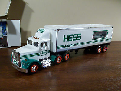 Hess Trucks 18 Wheeler And Race Never Played With In The Original Box Year 1992