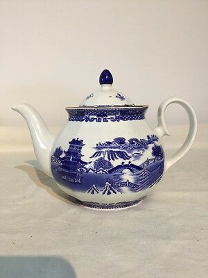 "Wade  Ringtons Blue And White Willow Pattern Large Teapot 6"" Tall"