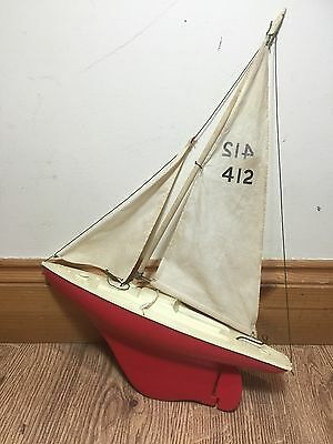Vintage Tri-ang Model Pond Boat Plastic Sailing Ship Yacht Red 412 England 60s?