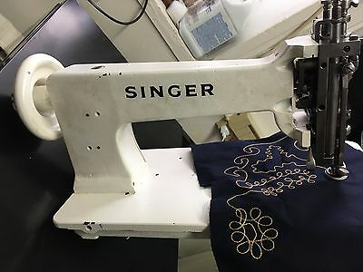 embroidery machine (SINGER)