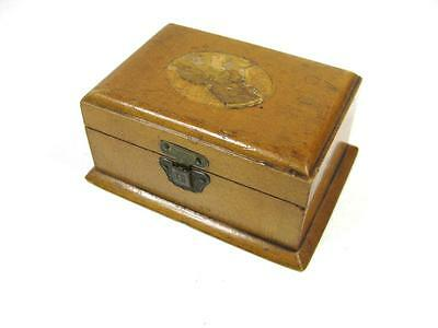 Vintage Victorian Mauchline Ware small treen box (picture is damaged)