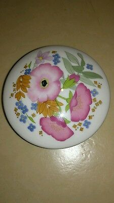 Wedgwood Meadow Sweet Round Fluted Box.