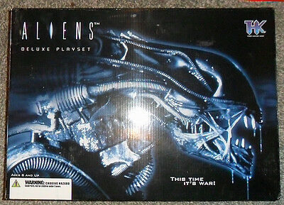Aliens Deluxe  Playset, From Palisades