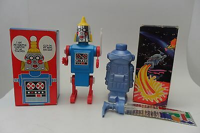 Rare Pair Mr. Robottle & JM Clean Robot by Avon Products Made in USA Box