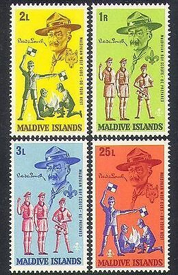 Maldive Islands 1968 Scouts and Cubs MNH