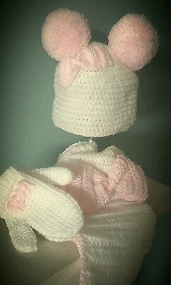 Girls bobble bow beanie hat scarf and mittens, sizes from 1-10 years
