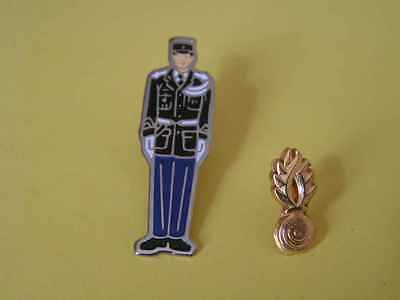 2 Pin's Gendarmerie nationale. Armée, Army, police, militaire, military. TTB.