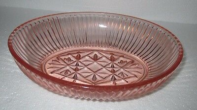 ART DECO Pink Glass Oval Bowl. 22.5 x 18 x 6 cm